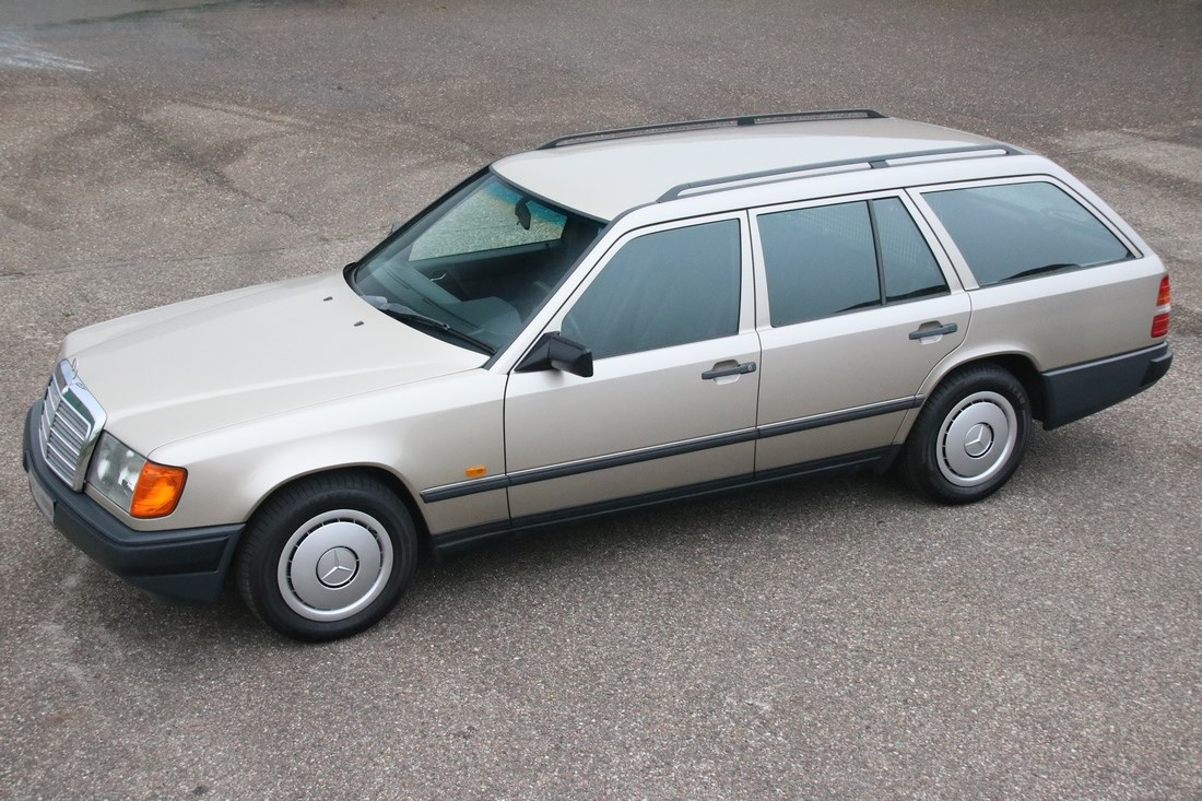 For sale: Mercedes Benz 200TE '86 remarkably original, AC 131.000km €9.950,-