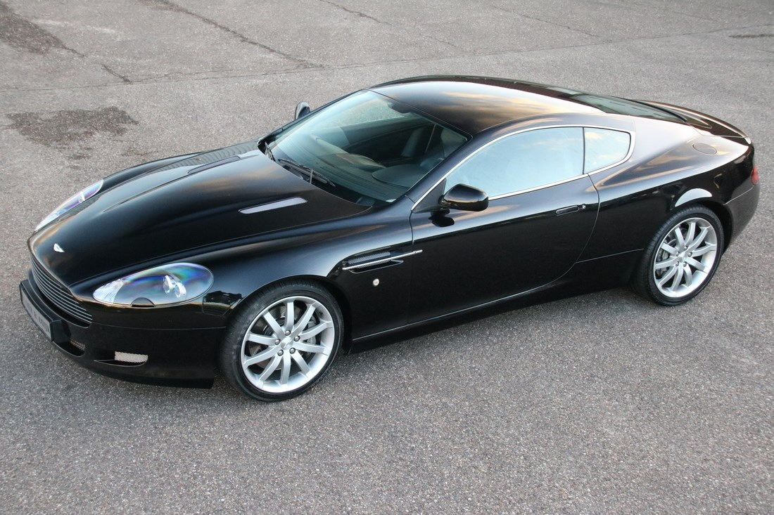 For sale: Aston Martin DB9 Coupe '04 65.000km €49.950,-
