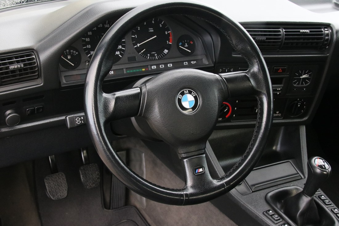 Interieur BMW 318i E30 Convertible '91 72.000km €18.950,-