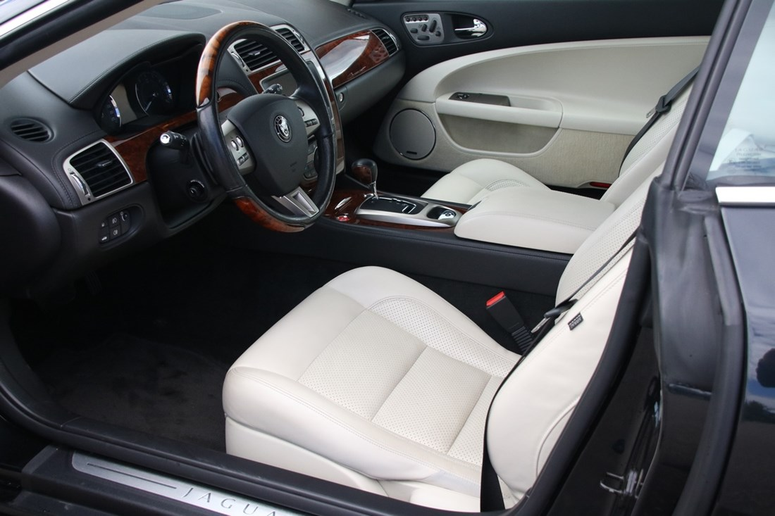Interieur Jaguar XK 4.2 Coupe '07 28.000km