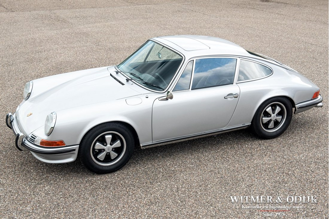 For sale: Porsche 911 2.2 S Coupe '71 fully restored matching numbers