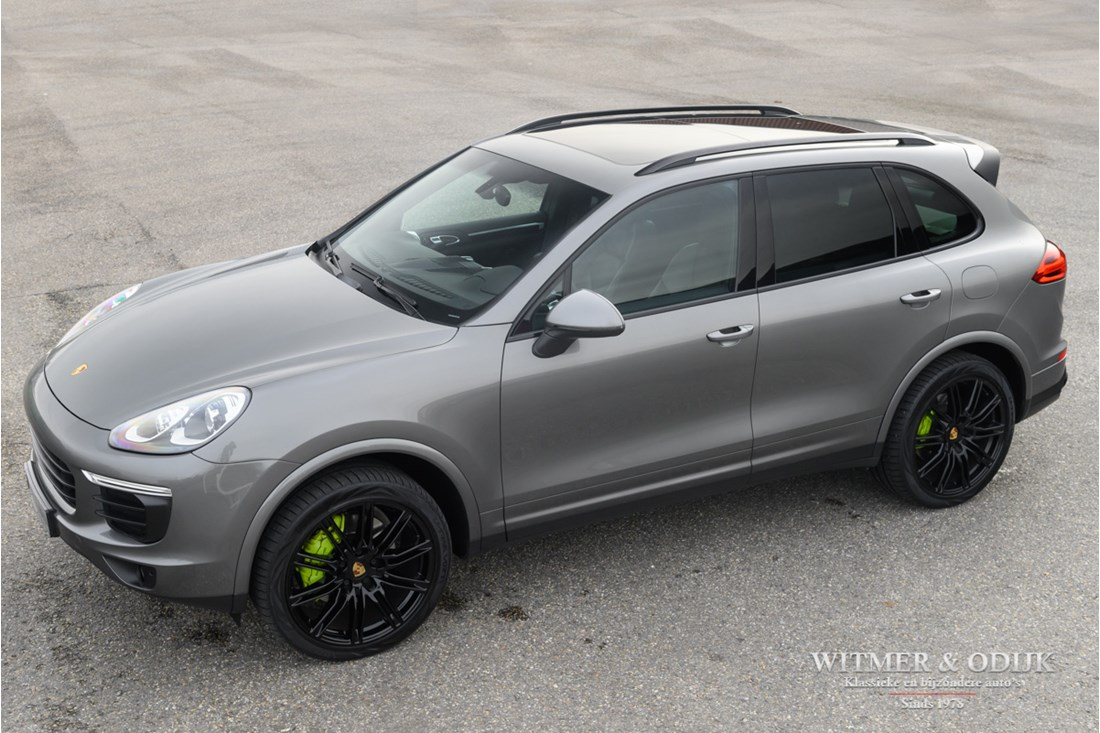 For sale: Porsche Cayenne S E-Hybrid 1st owner. '15 €43.967,- excl. €53.200,- incl. VAT