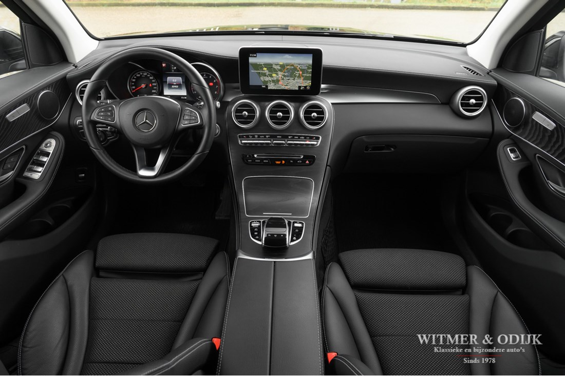Interieur Mercedes Benz 250 GLC 4-MATIC Luxury Line '16 33.000km
