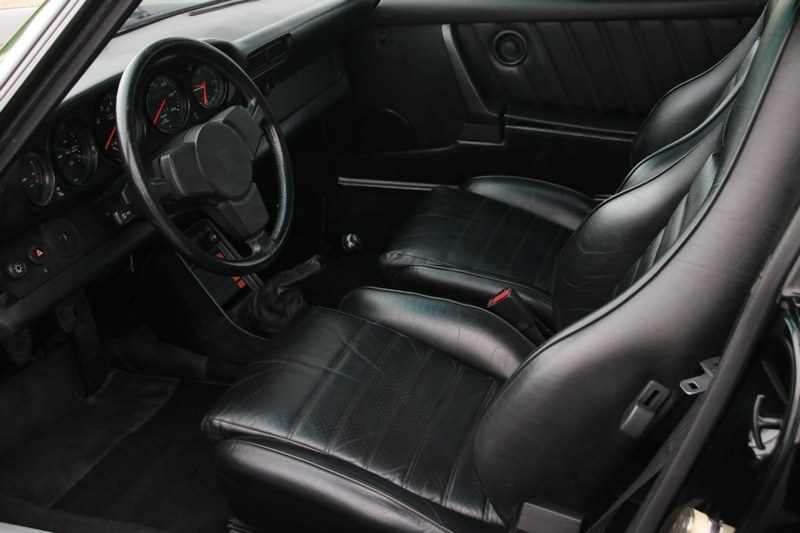 Interieur Porsche 930 Turbo Coupe '84 72,000km €115,930,-