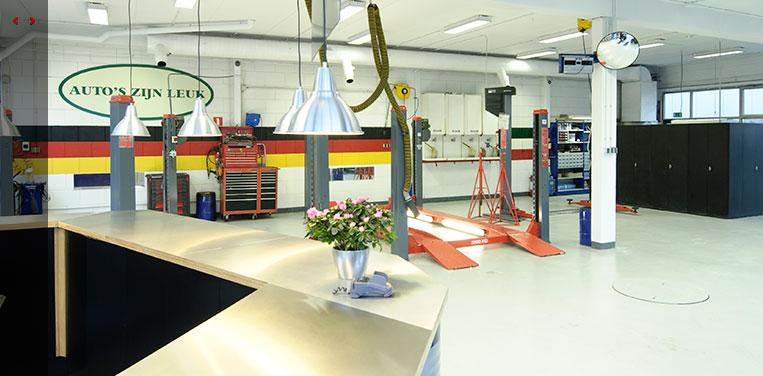 Porschespecialist witmer odijk klassieke en bijzondere for Auto interieur reparatie